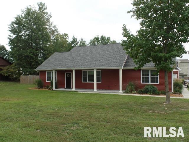 1013 Shawnee Trail Property Photo 1