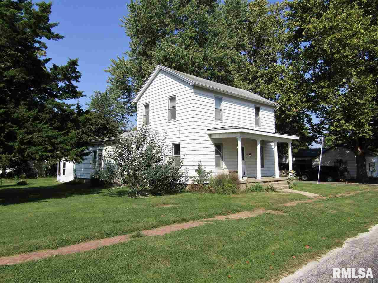 404 S MADISON Property Photo - Lewistown, IL real estate listing