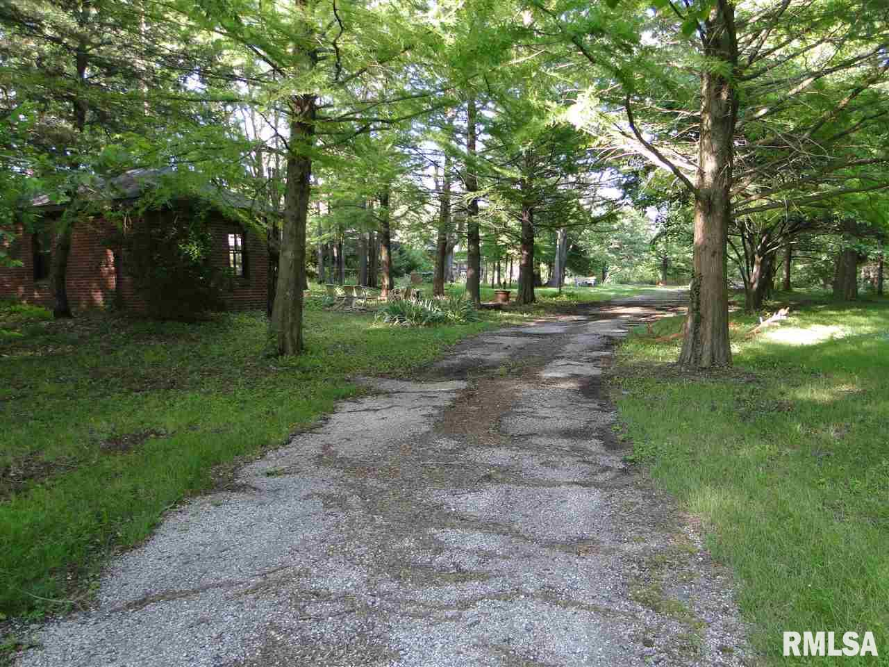 870 N COAL Property Photo - Colchester, IL real estate listing