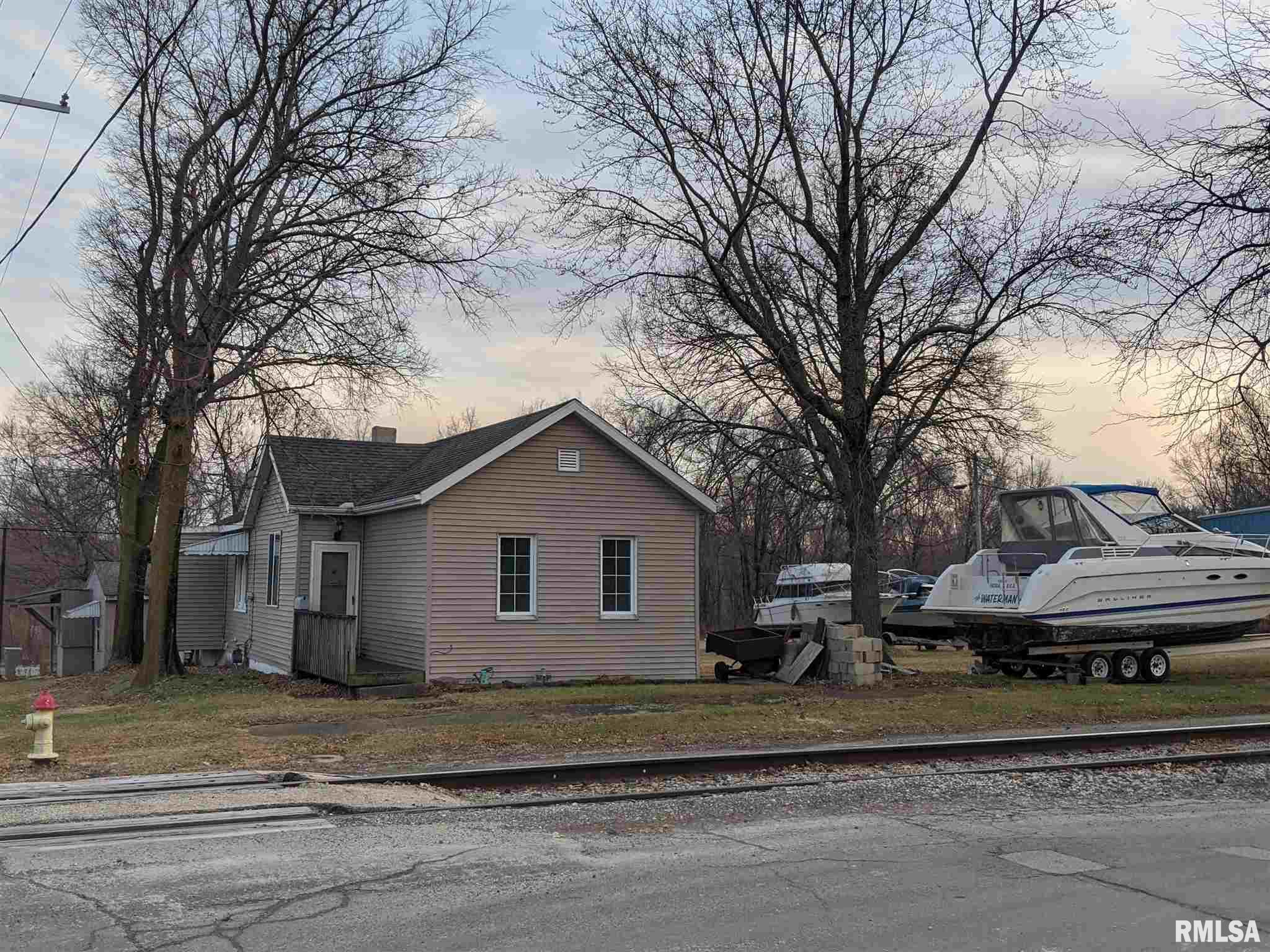 1216 NE BOND Property Photo - Peoria, IL real estate listing