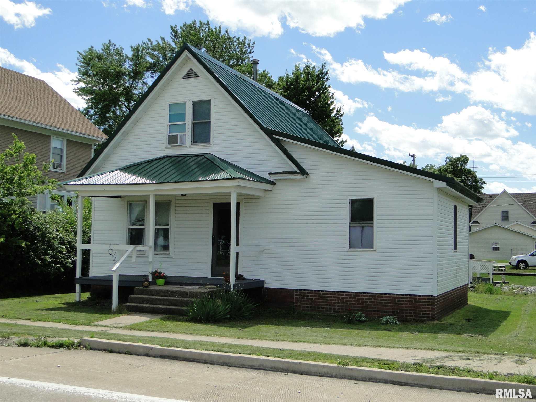 427 W MAIN Property Photo - Adair, IL real estate listing