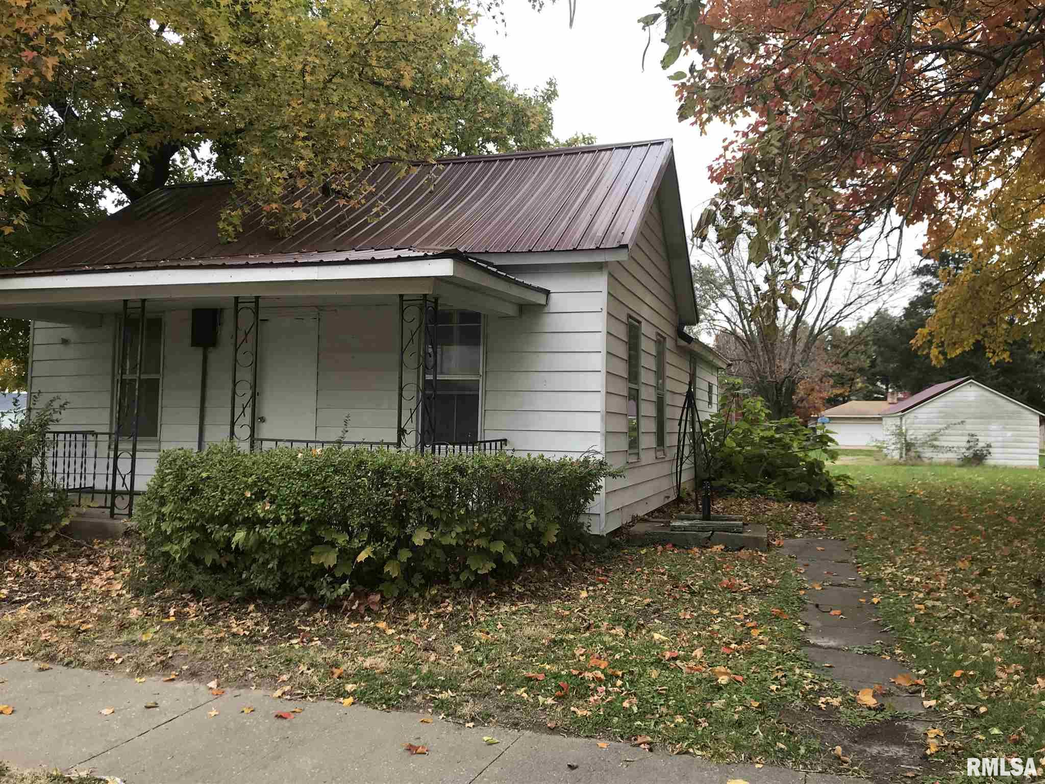 510 W WASHINGTON Property Photo - Blandinsville, IL real estate listing
