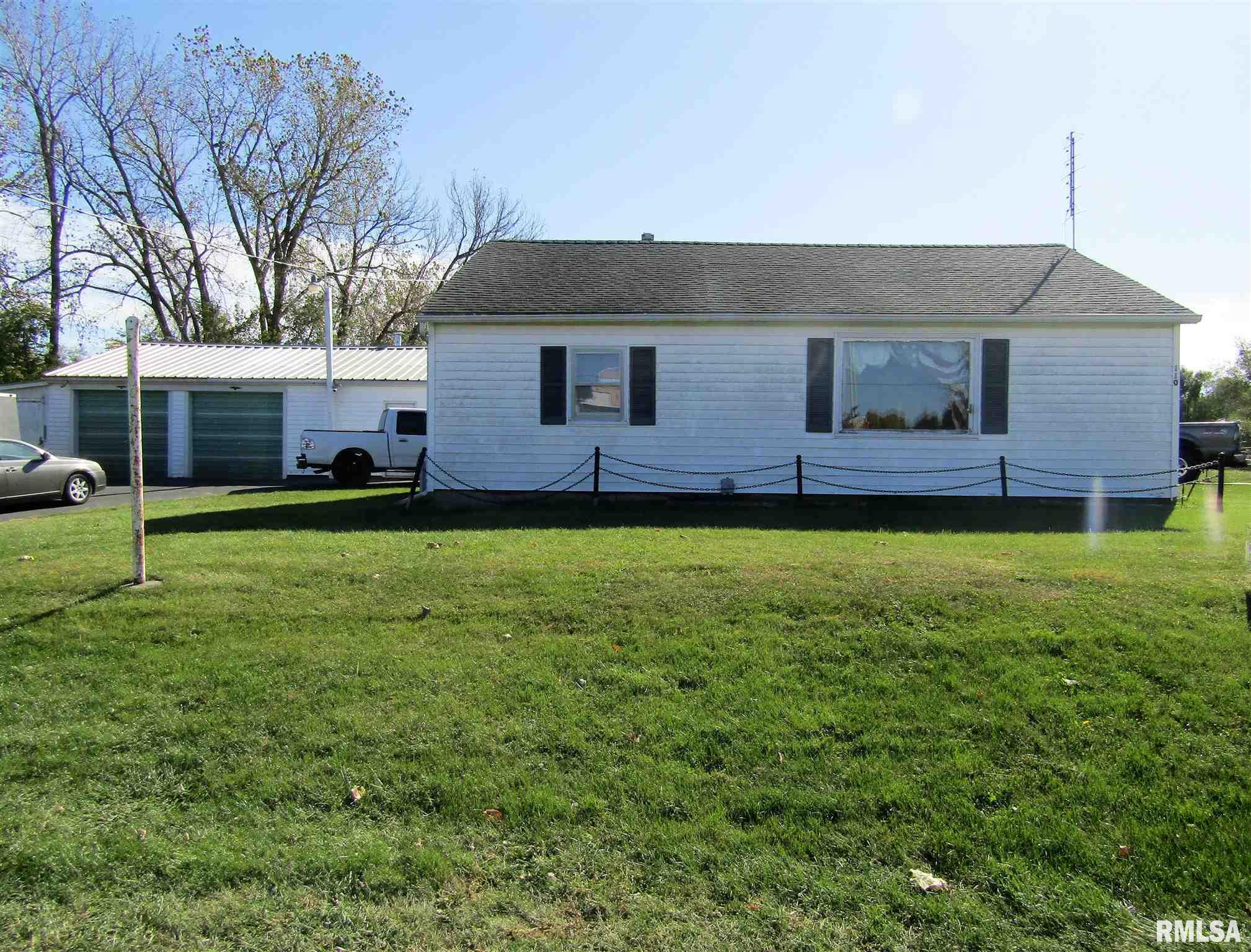 110 E 12TH Property Photo - Lewistown, IL real estate listing