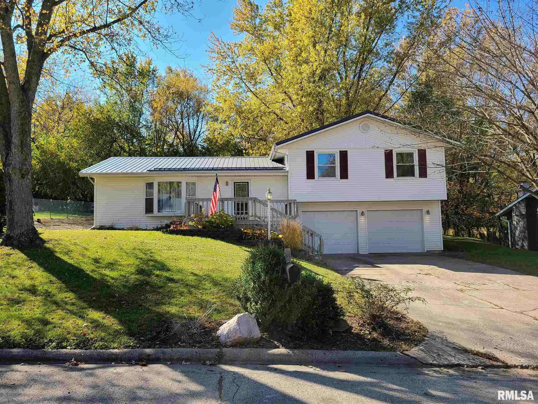 1435 E SYCAMORE Property Photo - Canton, IL real estate listing