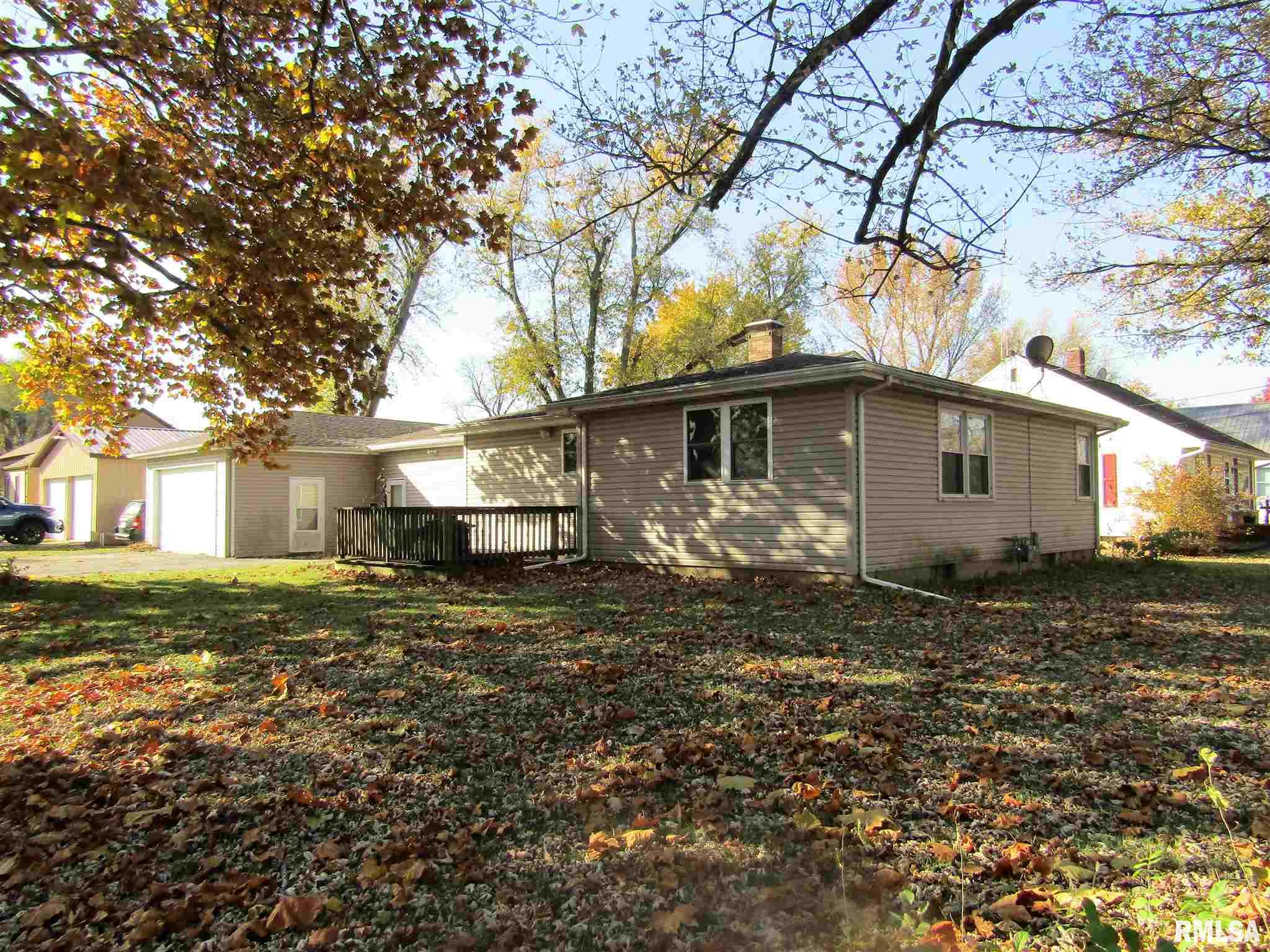 102 VAN BUREN Property Photo - Lewistown, IL real estate listing