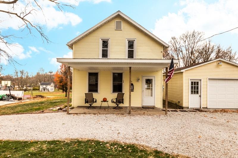 108 W B Property Photo - Delavan, IL real estate listing