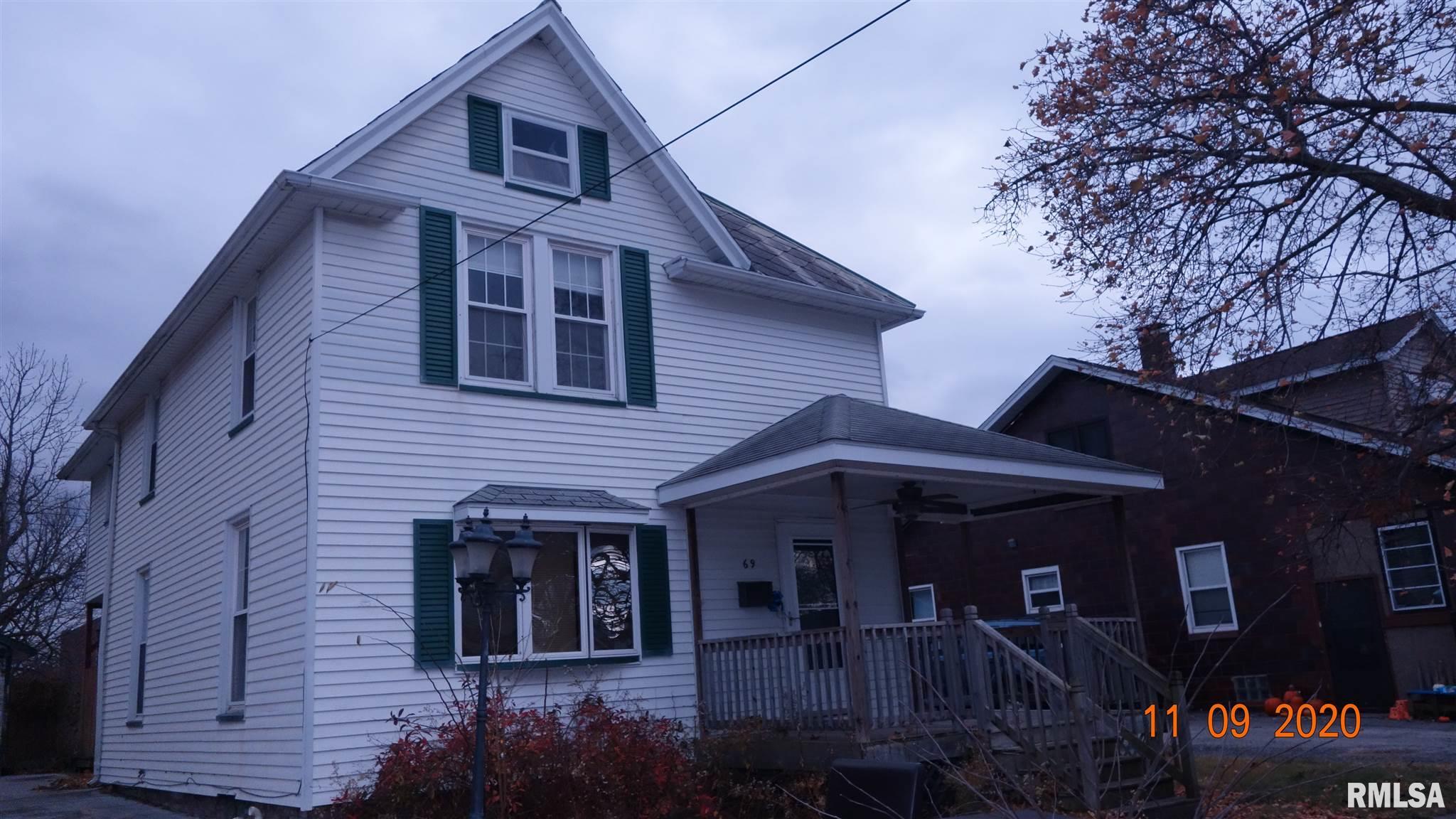 69 N WEST Property Photo - Farmington, IL real estate listing