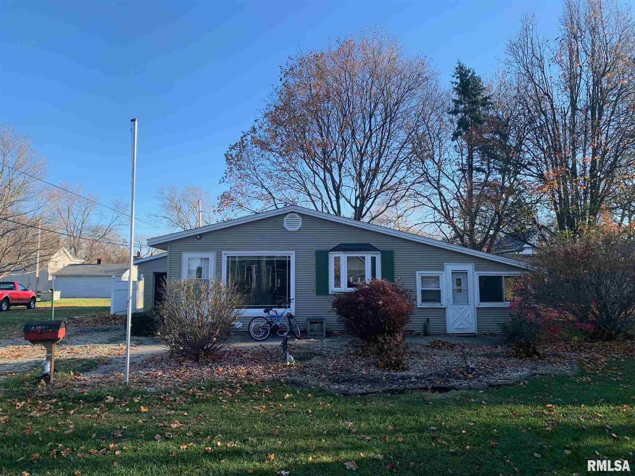 608 ROBERT Property Photo - Henry, IL real estate listing