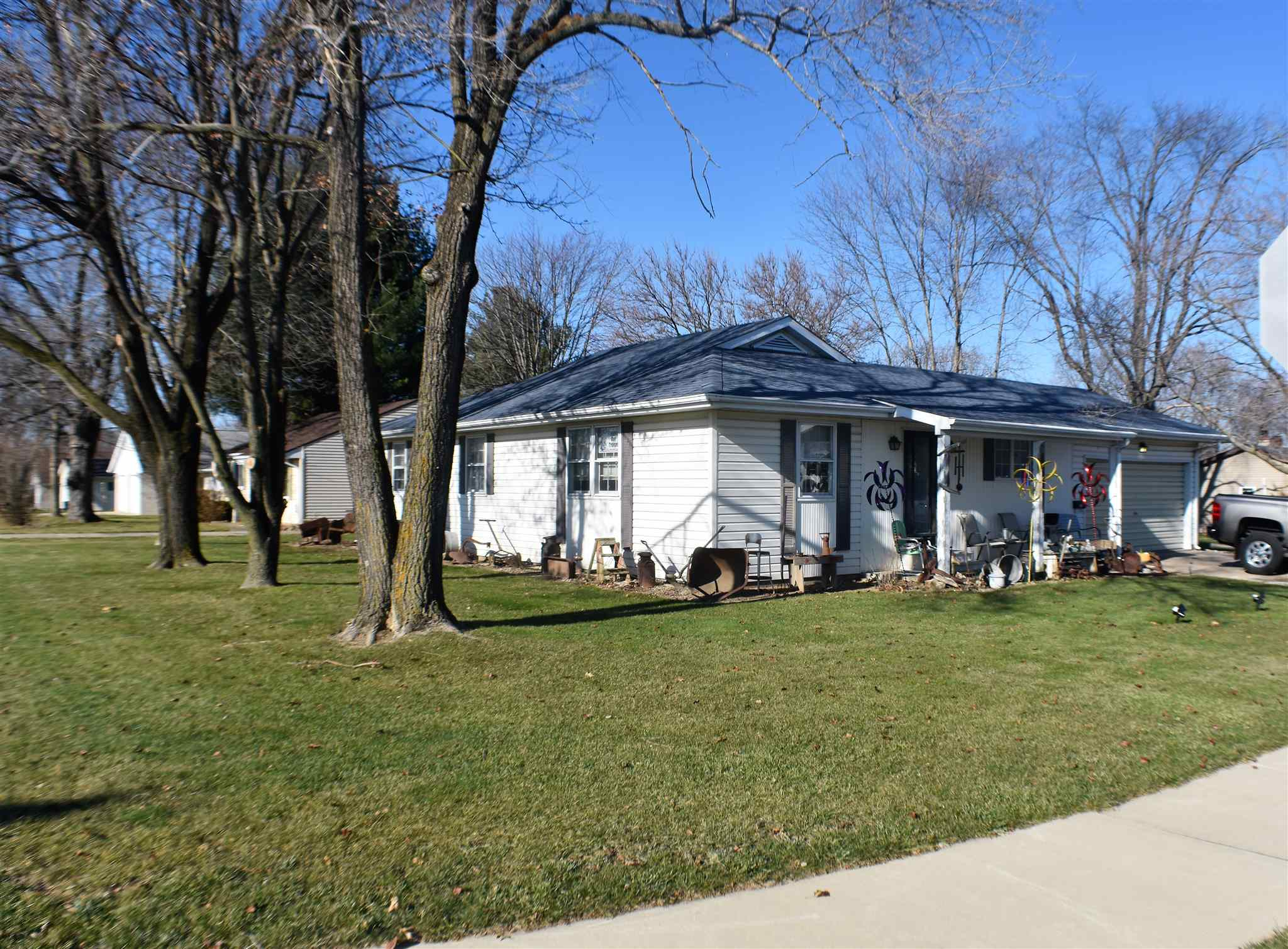 700 N 15TH Property Photo - Canton, IL real estate listing