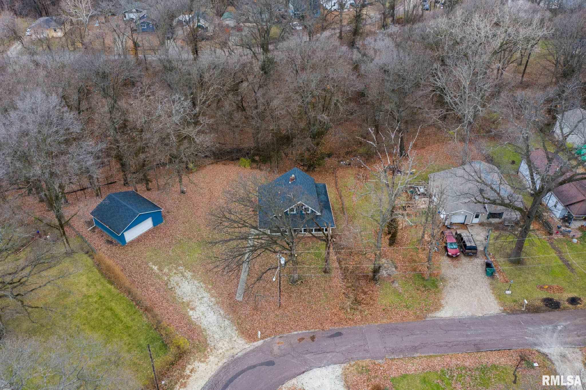 252 SYLVAN Property Photo - Creve Coeur, IL real estate listing
