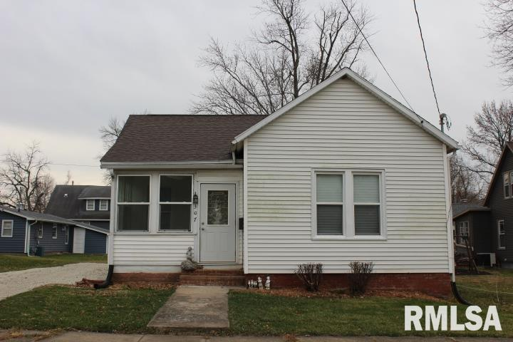 307 W EUCLID Property Photo - Lewistown, IL real estate listing