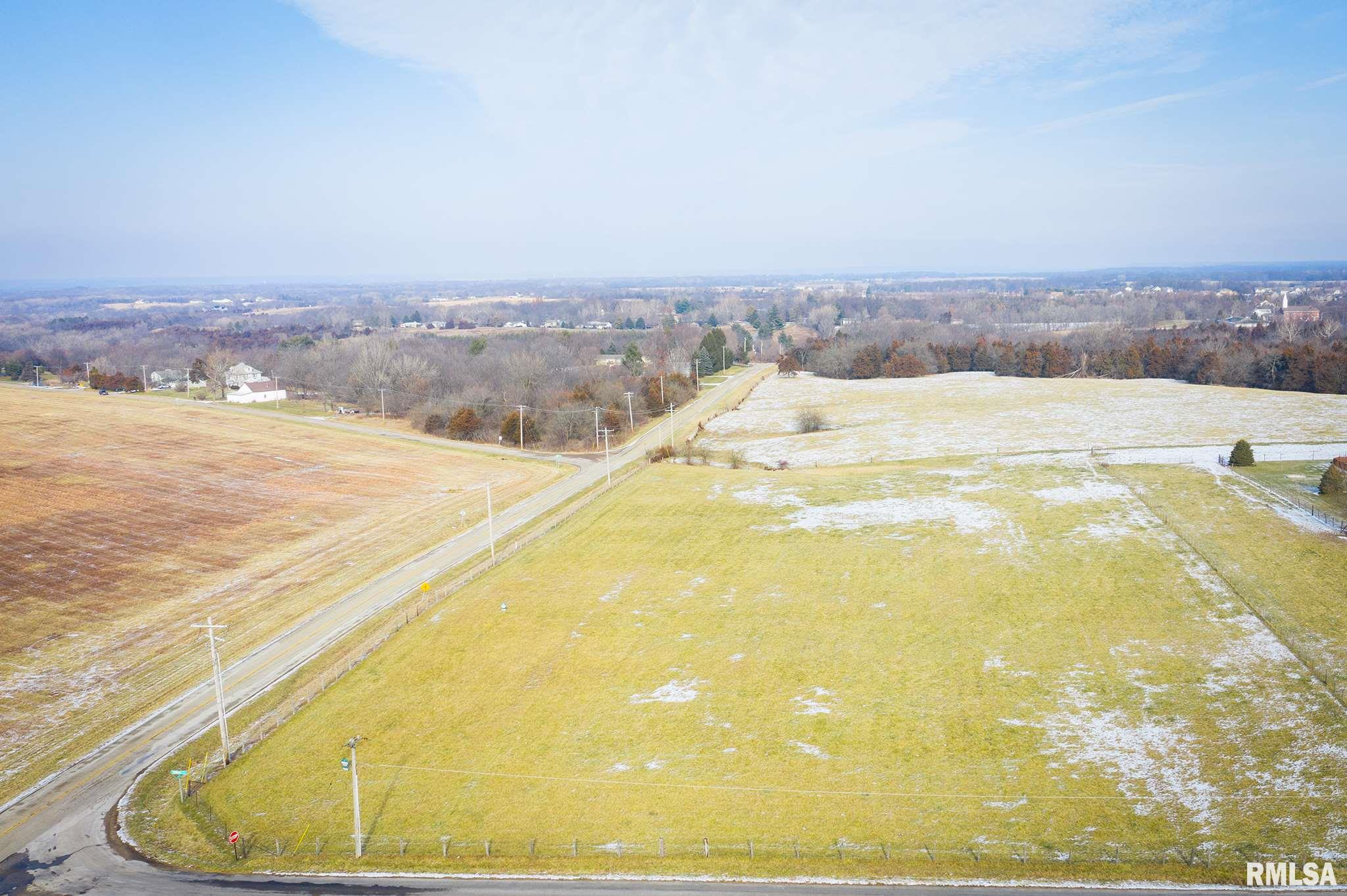 400 E TOWNHALL Property Photo - Germantown Hills, IL real estate listing