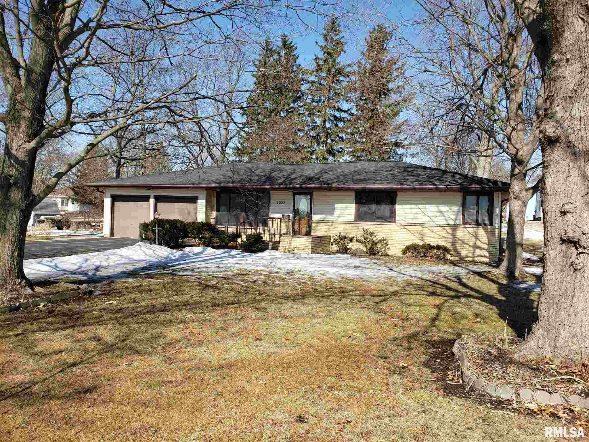 1222 E MCKINLEY Property Photo - Lowpoint, IL real estate listing