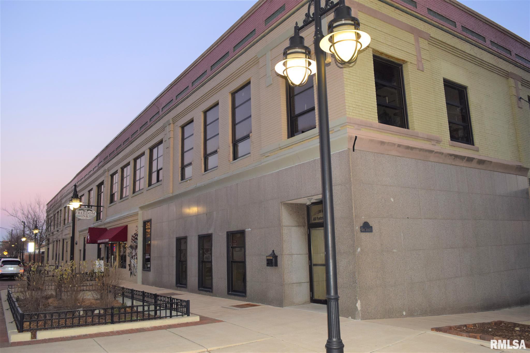 736 SW WASHINGTON Property Photo - Peoria, IL real estate listing