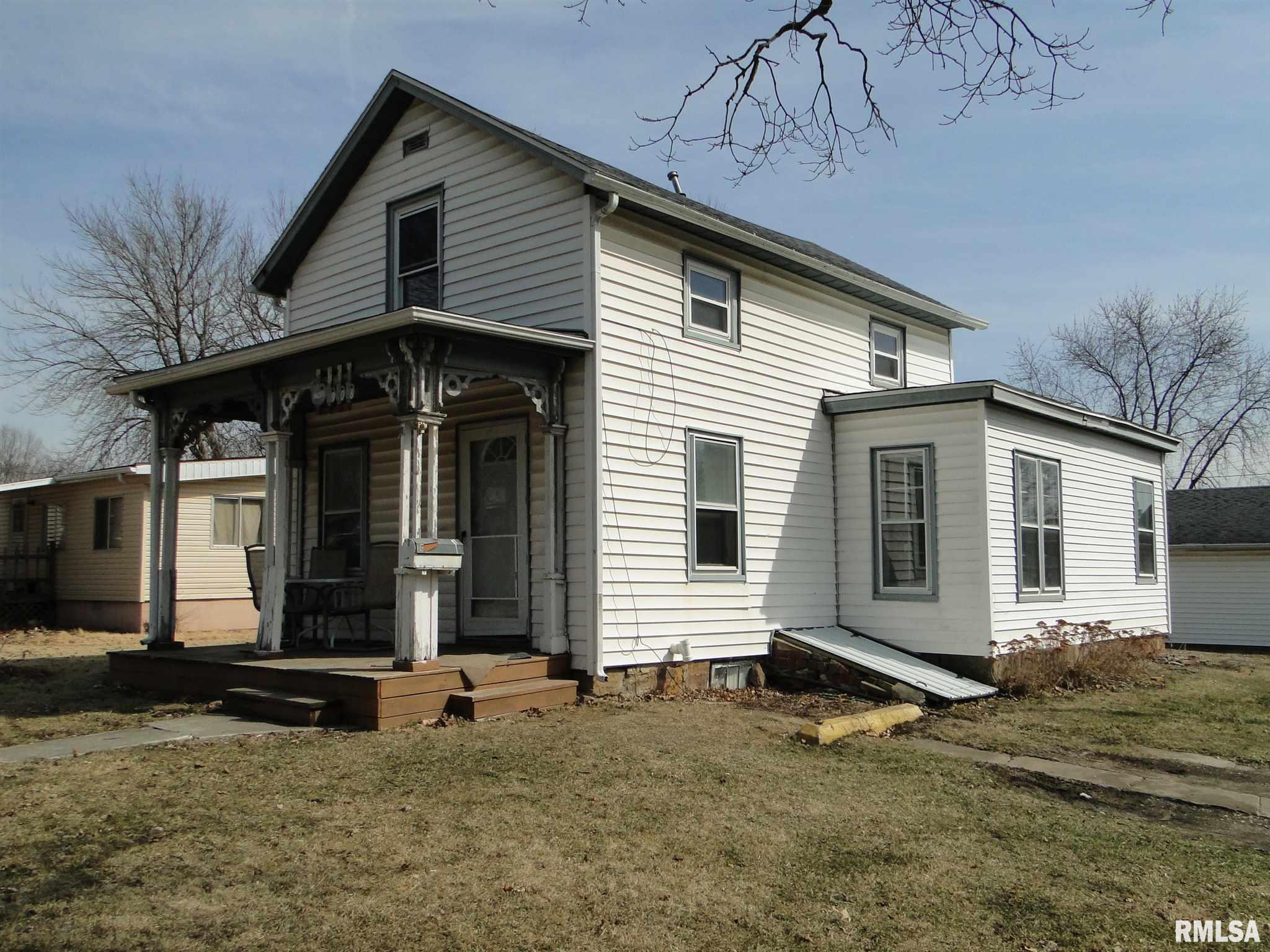 906 N Rile Property Photo - Bushnell, IL real estate listing