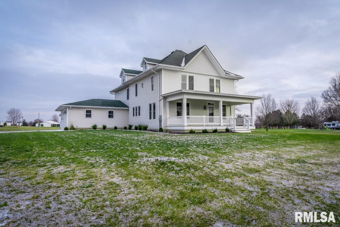 840 HURFF Property Photo - Elmwood, IL real estate listing