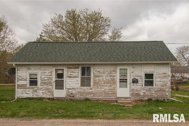 66 S MILL Property Photo - Farmington, IL real estate listing