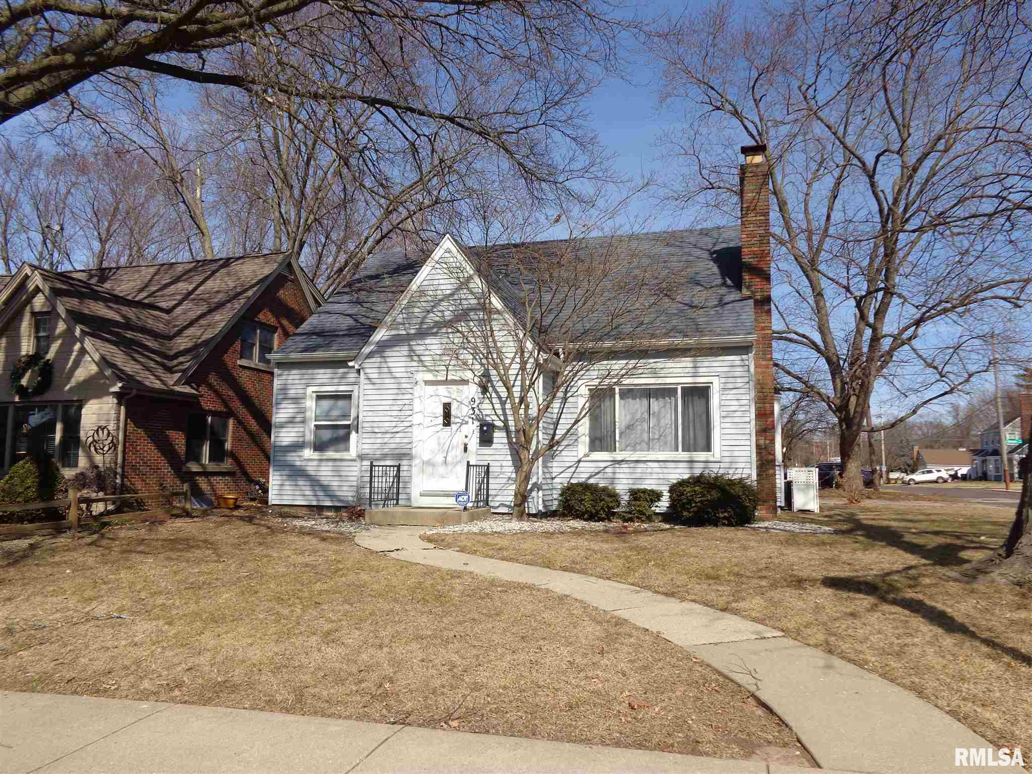 931 E RICHWOODS Property Photo - Peoria, IL real estate listing