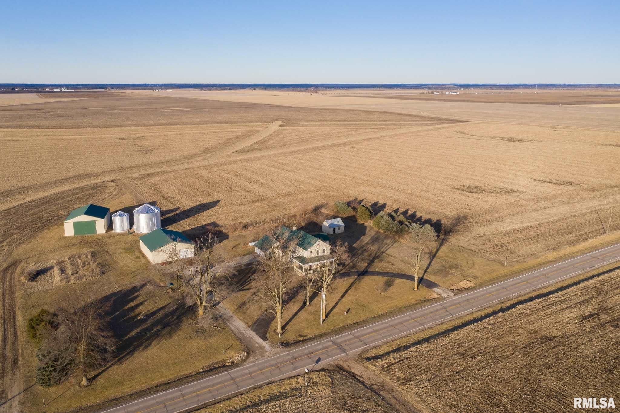 21724 IL Route 122 Property Photo - Delavan, IL real estate listing