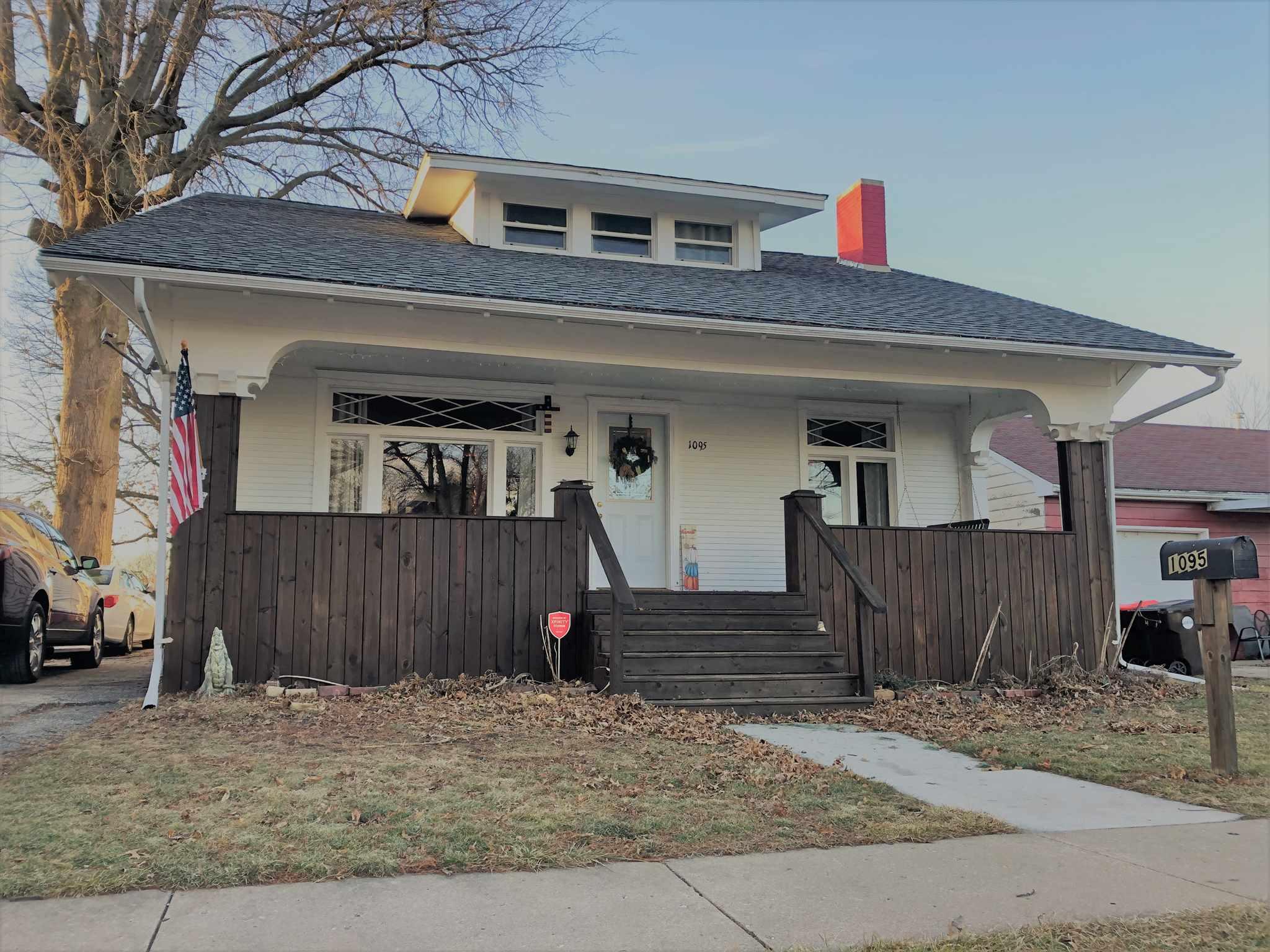 1095 N CRAFFORD Property Photo - Bushnell, IL real estate listing