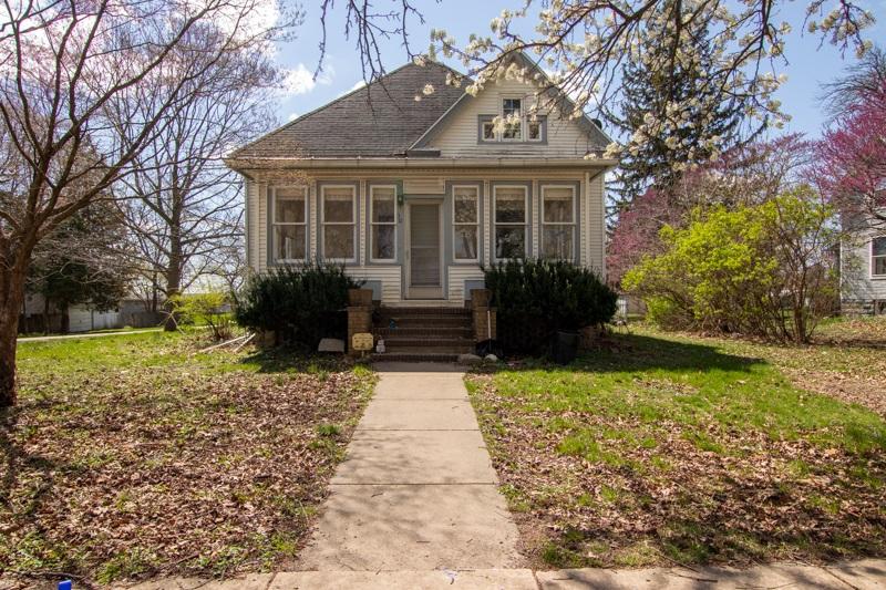 301 MADISON Property Photo - Varna, IL real estate listing