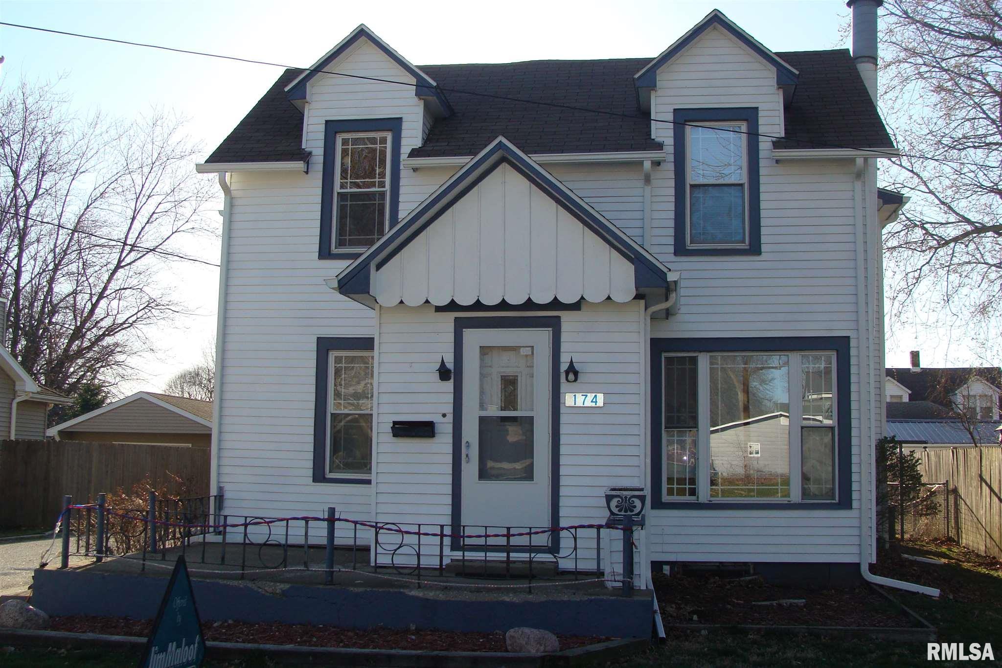 174 N WALL Property Photo - Farmington, IL real estate listing