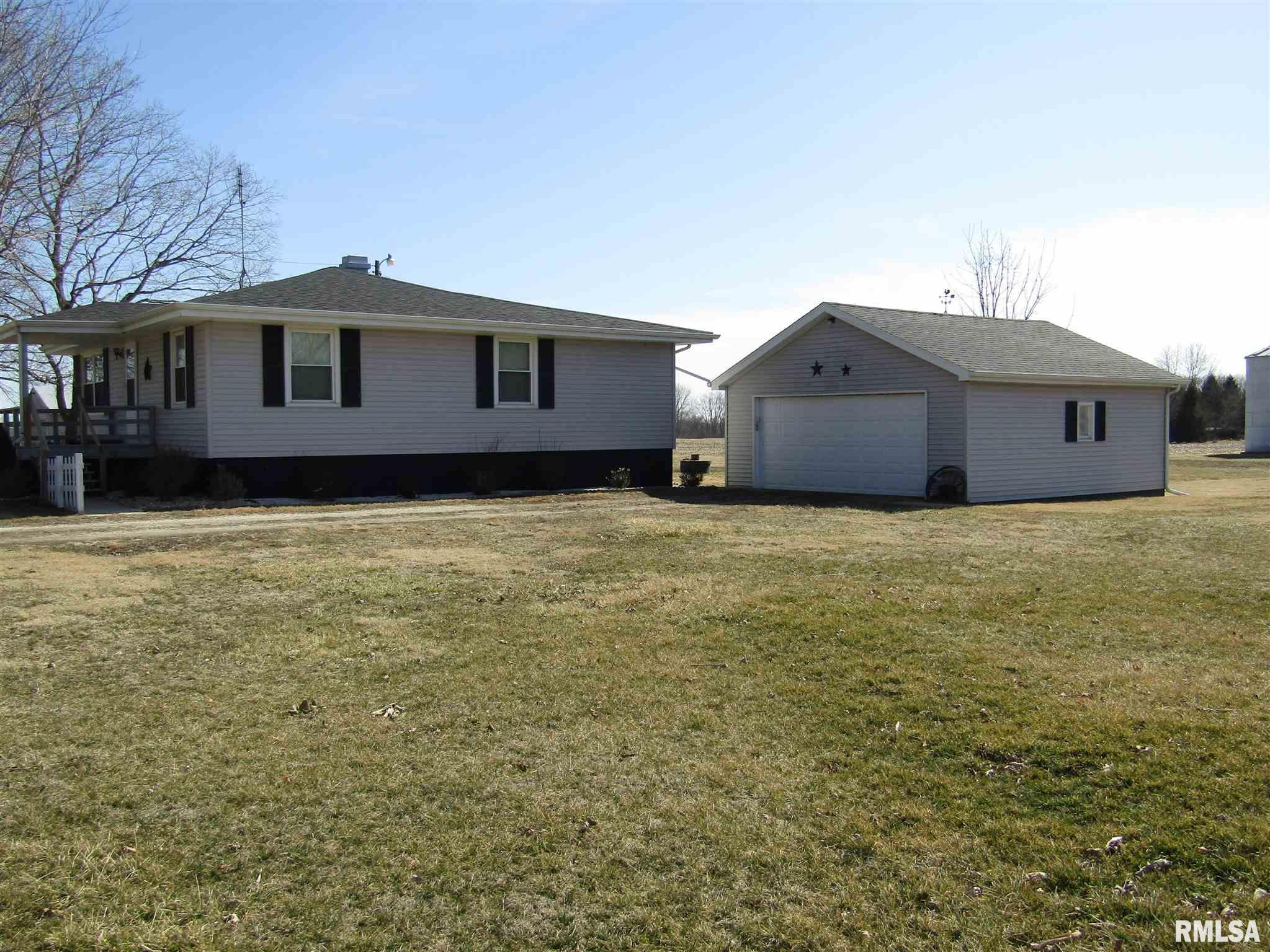 17293 E County Highway 9 Property Photo - Lewistown, IL real estate listing
