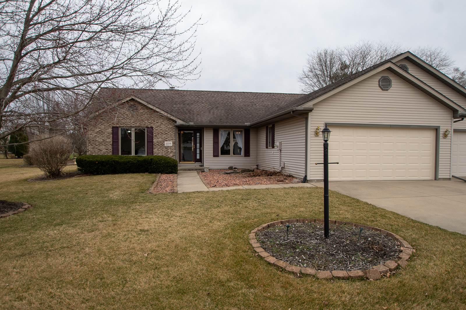 1008 HIGHLAND Property Photo - Germantown Hills, IL real estate listing