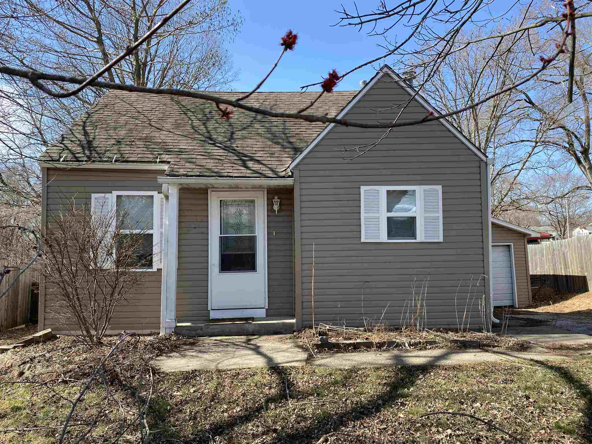 313 S HIGHLAND Property Photo - Creve Coeur, IL real estate listing