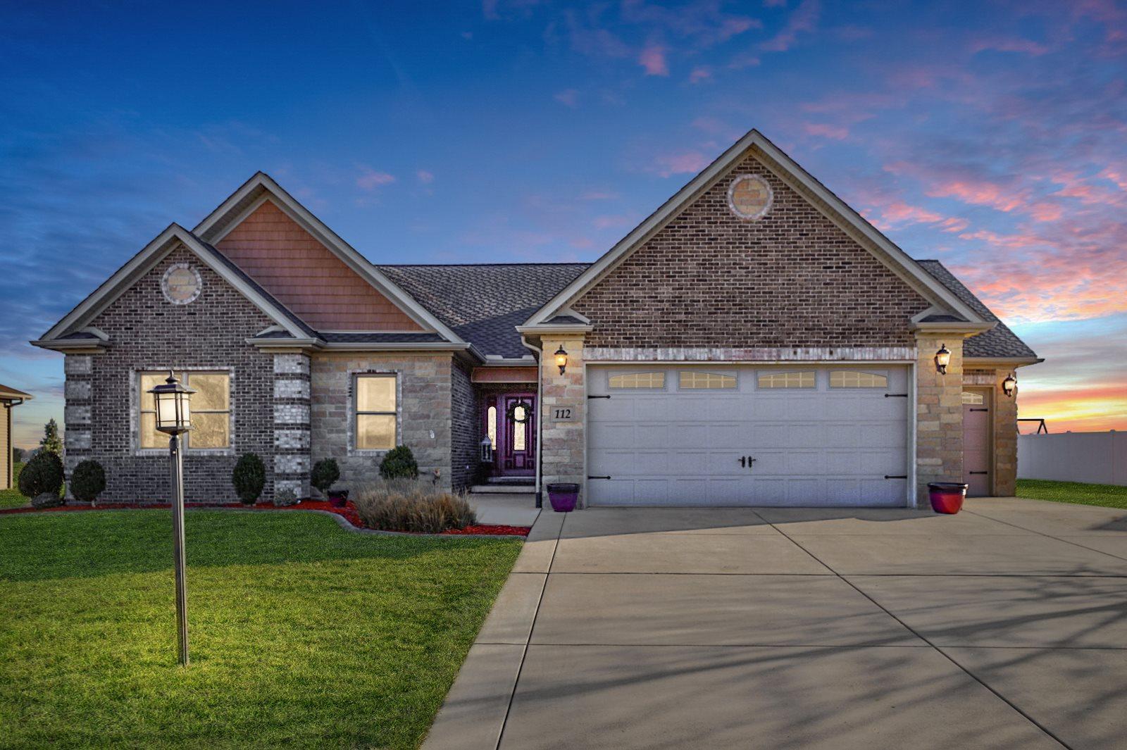 112 E Margarete Property Photo - Tremont, IL real estate listing
