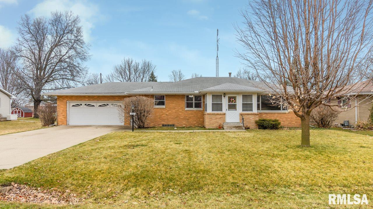 202 W OLIVE Property Photo - Wyoming, IL real estate listing