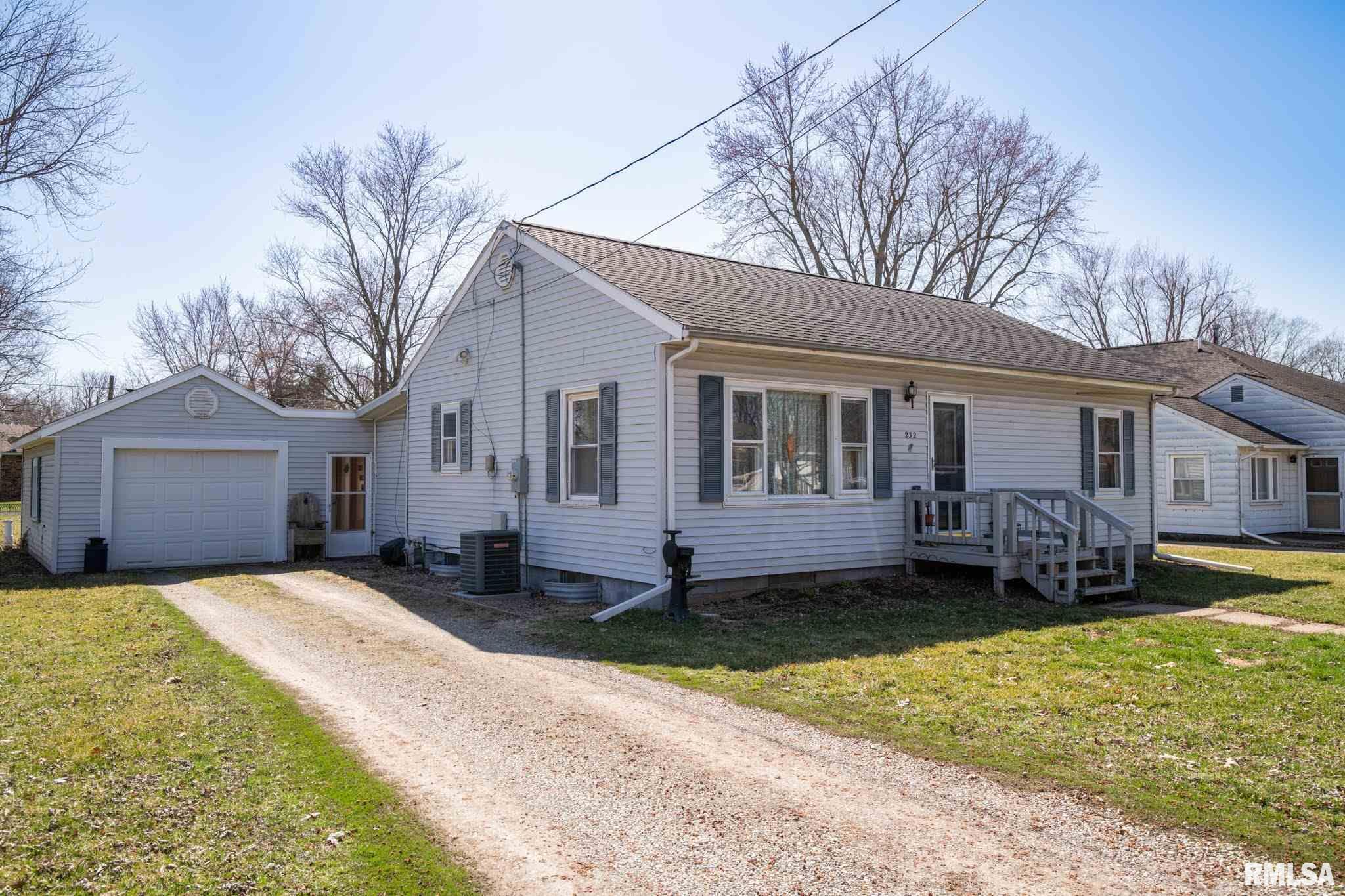 232 E SHERIDAN Property Photo - Manito, IL real estate listing