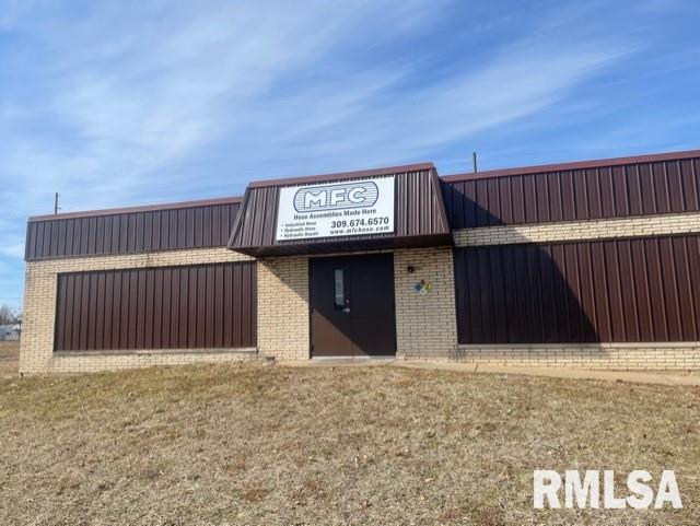 817 NE ADAMS Property Photo - Peoria, IL real estate listing