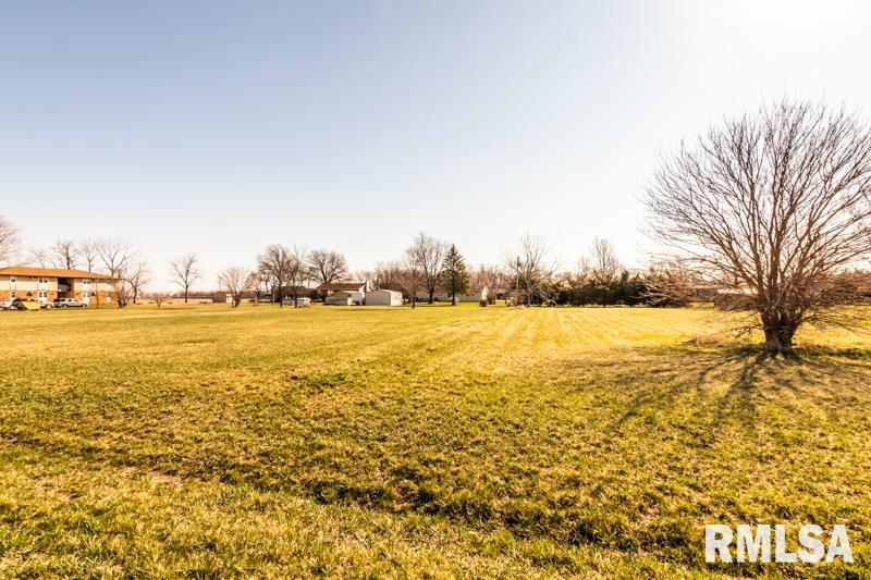 24053 County Road 3050 E Property Photo - Manito, IL real estate listing