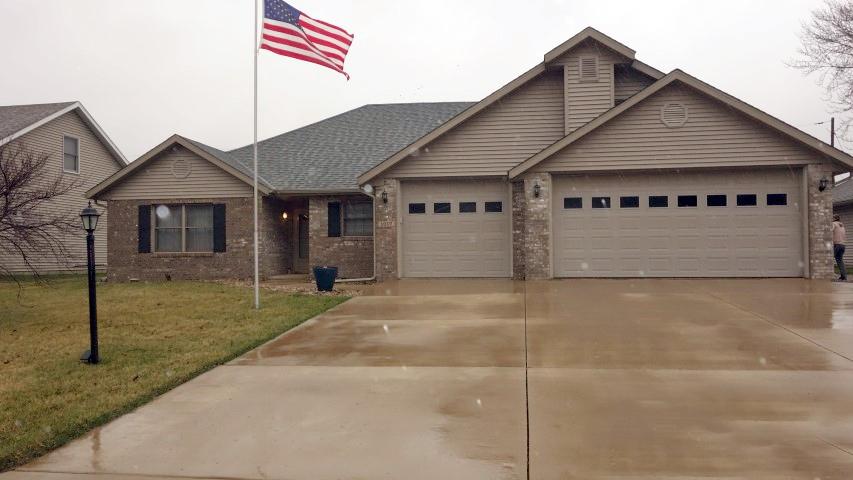 1017 S JOHANSON Property Photo - Peoria, IL real estate listing