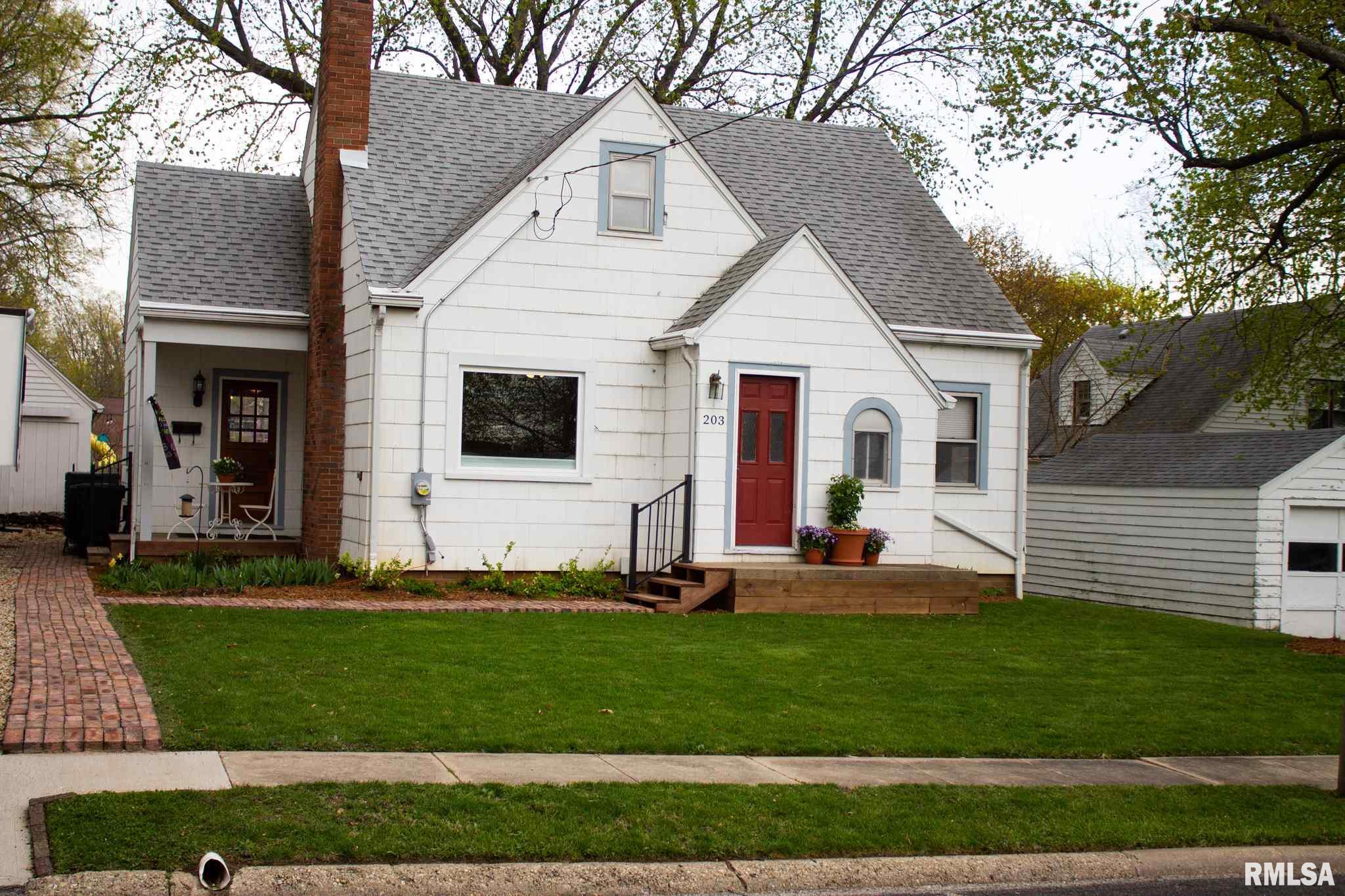 203 S HAMILTON Property Photo - Eureka, IL real estate listing