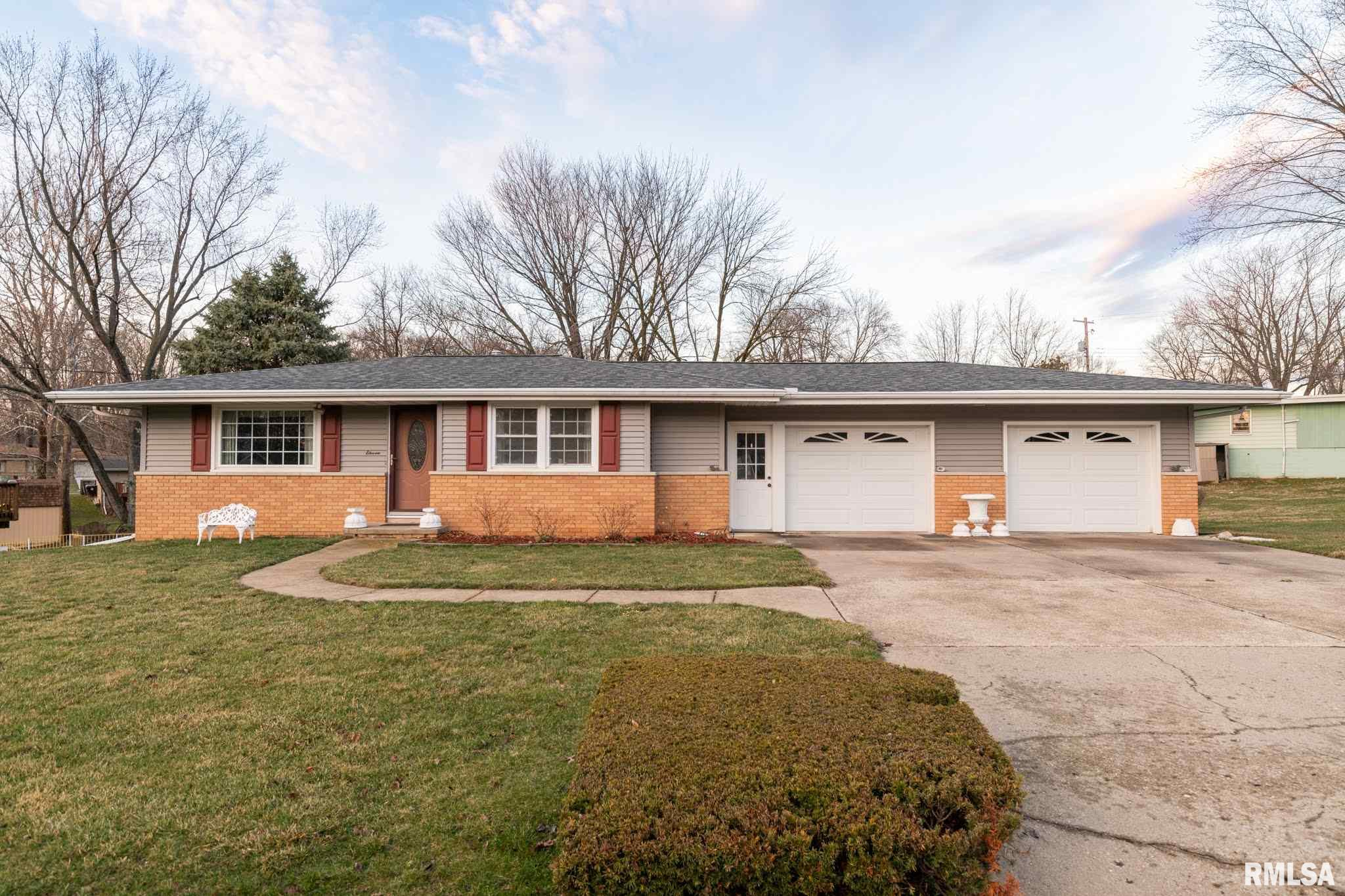 11 HOLLY Property Photo - Bartonville, IL real estate listing