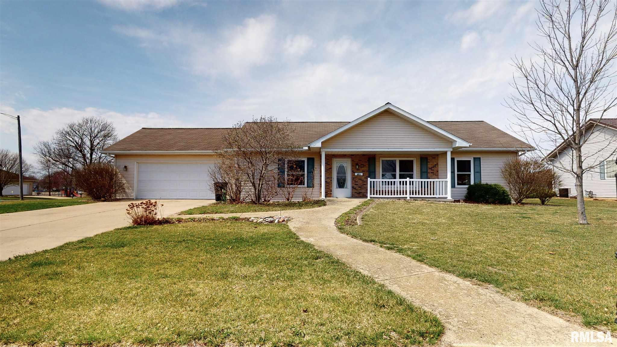 901 N EASY Property Photo - Roanoke, IL real estate listing
