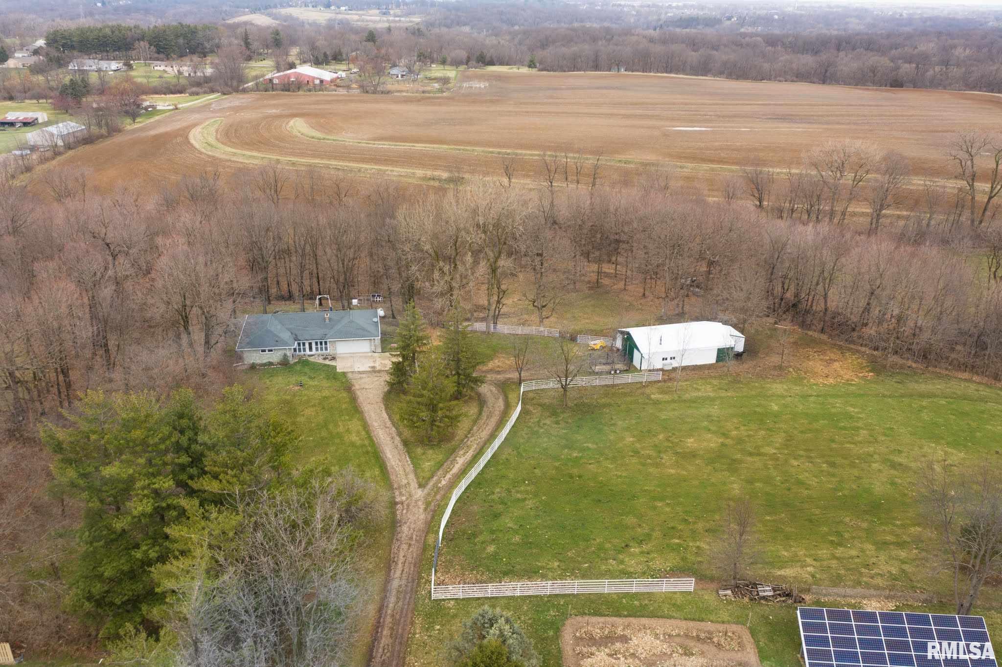 358 CIRCLE SHORE Property Photo - Washington, IL real estate listing