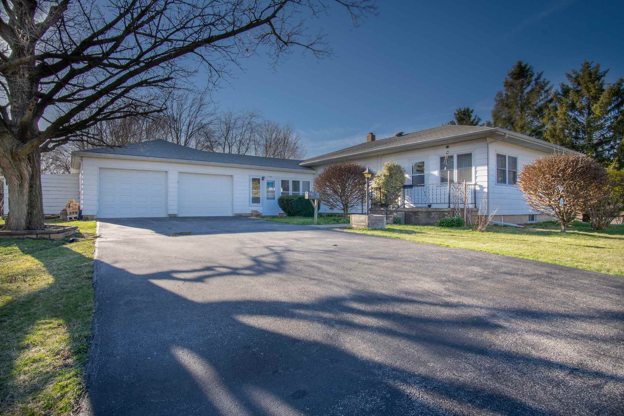508 N JONES Property Photo - Eureka, IL real estate listing