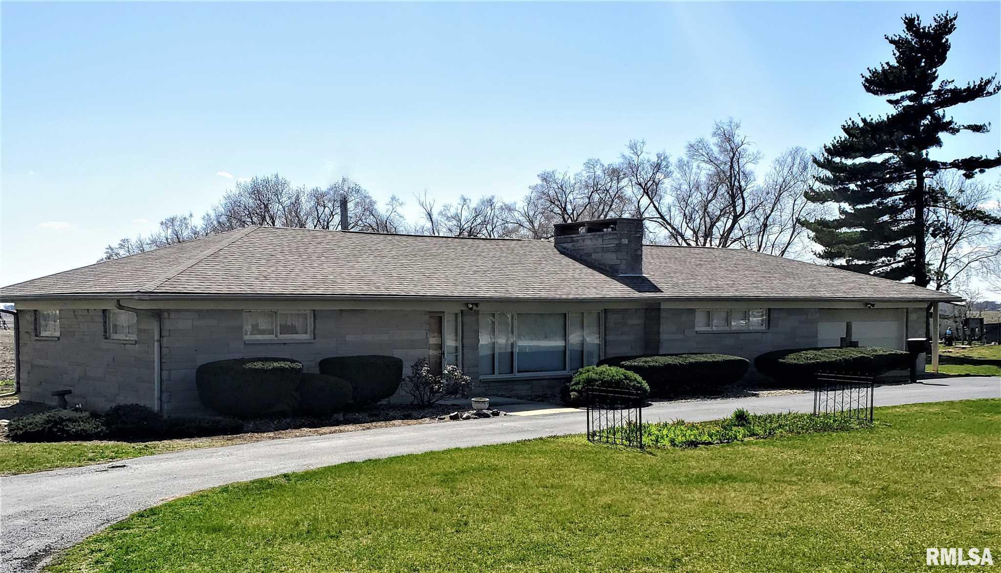 9309 E MANITO Property Photo - Manito, IL real estate listing