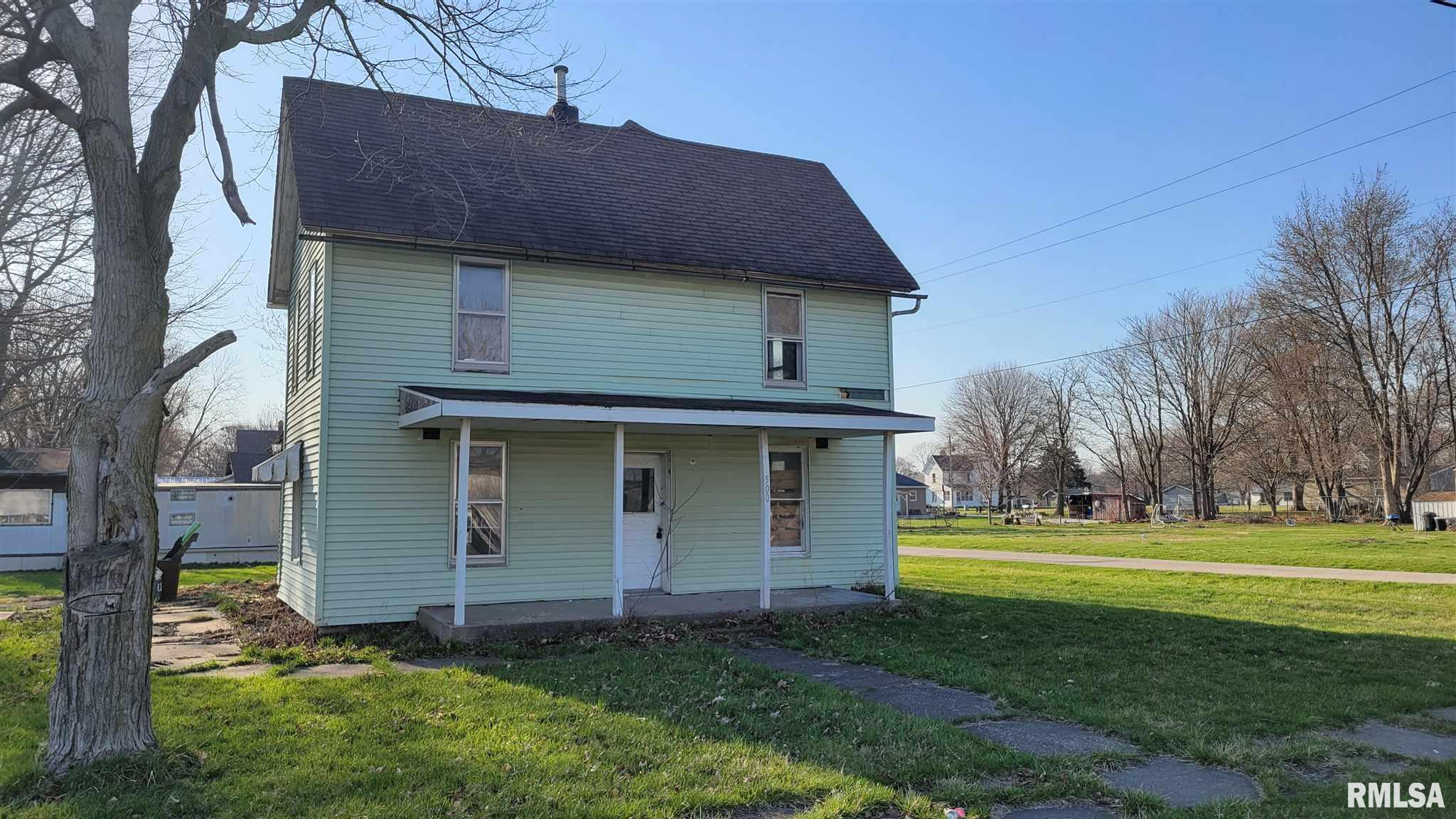 500 S 1ST Property Photo - La Harpe, IL real estate listing