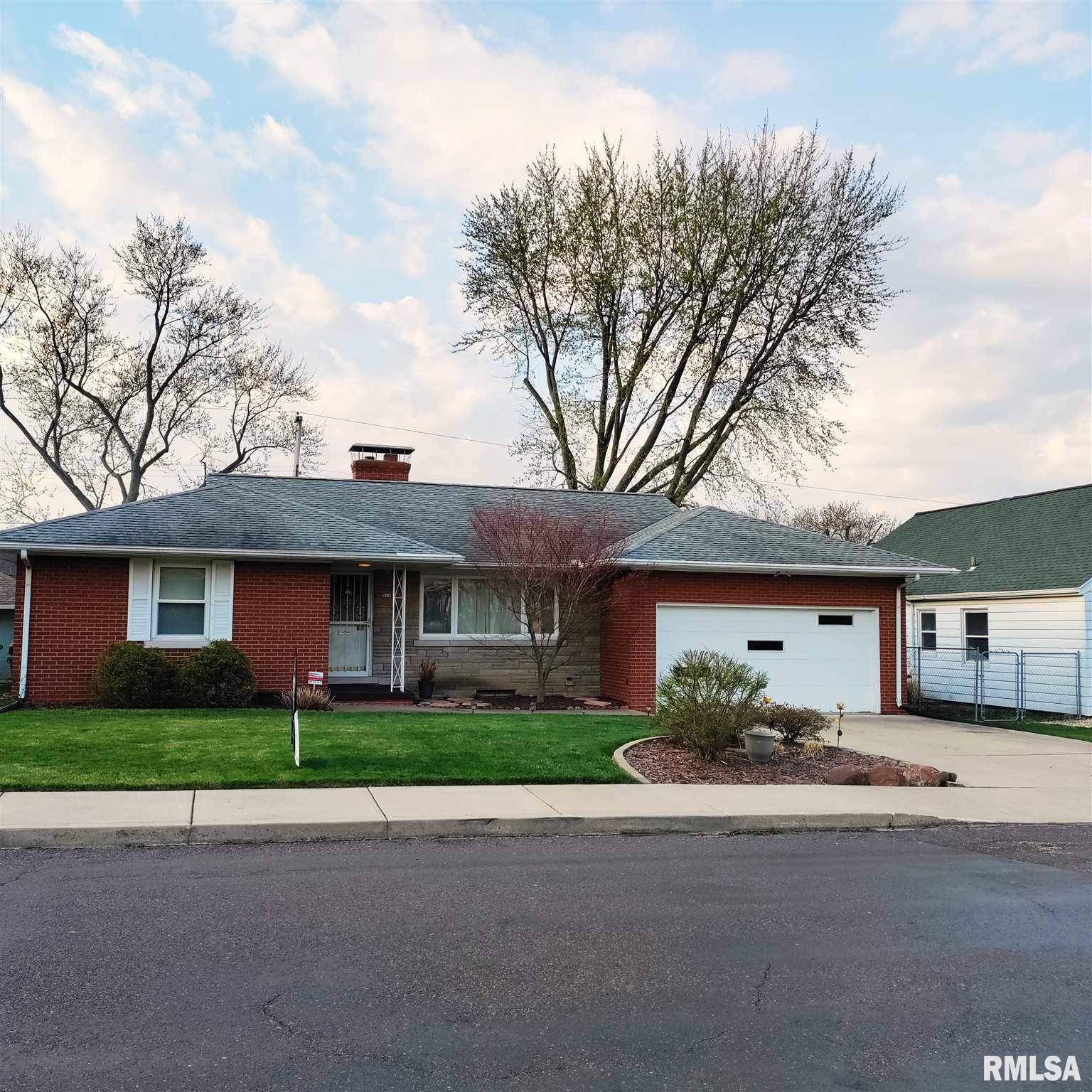 314 W FLORENCE Property Photo - Peoria, IL real estate listing