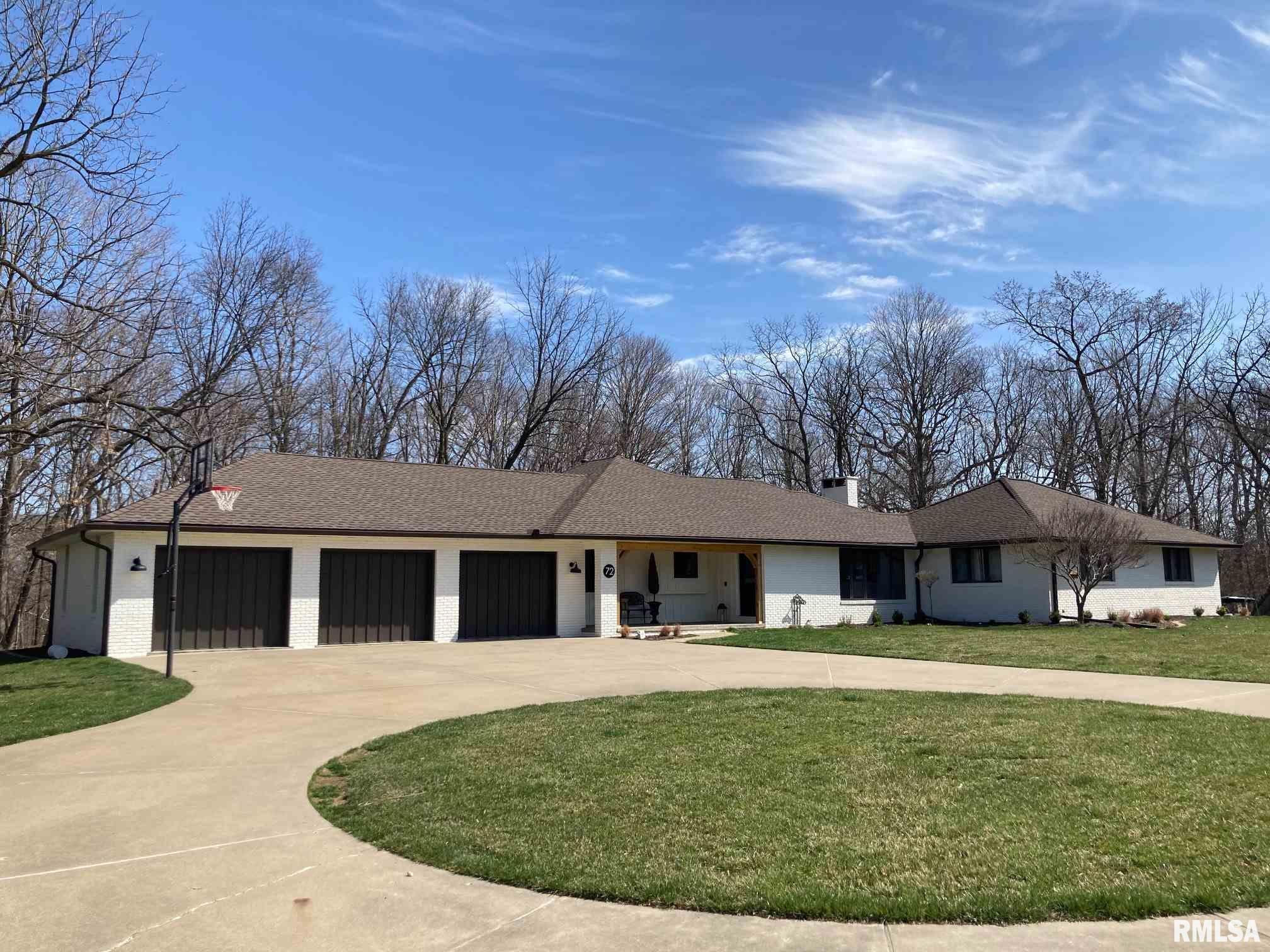 72 BLACKBERRY Property Photo - Morton, IL real estate listing
