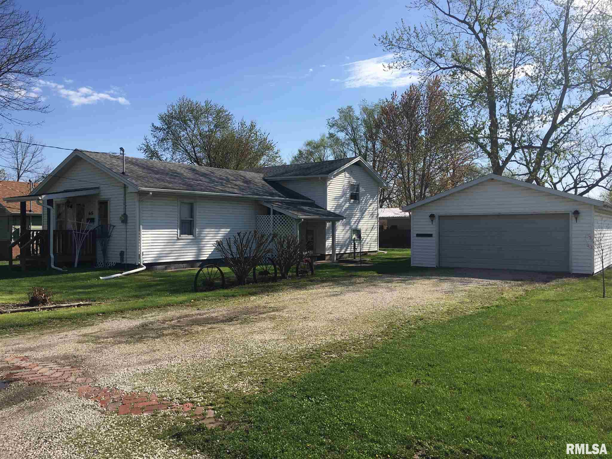 615 S CHESTNUT Property Photo - Lewistown, IL real estate listing