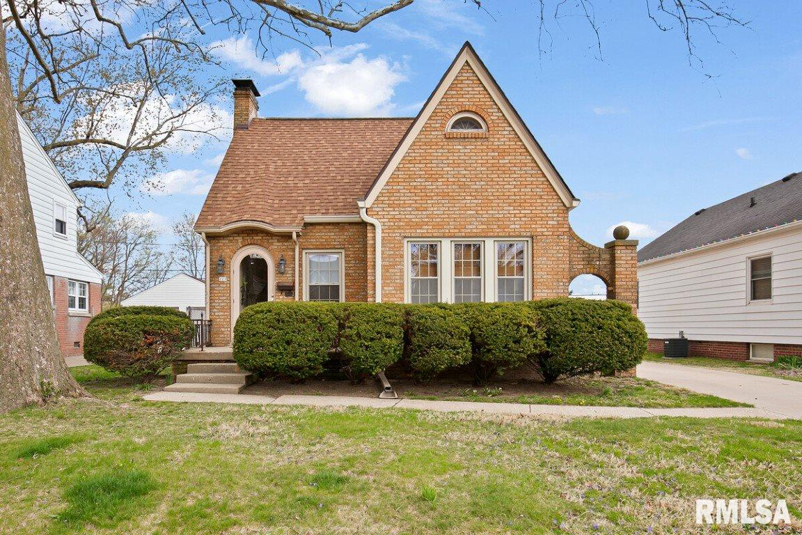323 N KICKAPOO Property Photo - Peoria, IL real estate listing