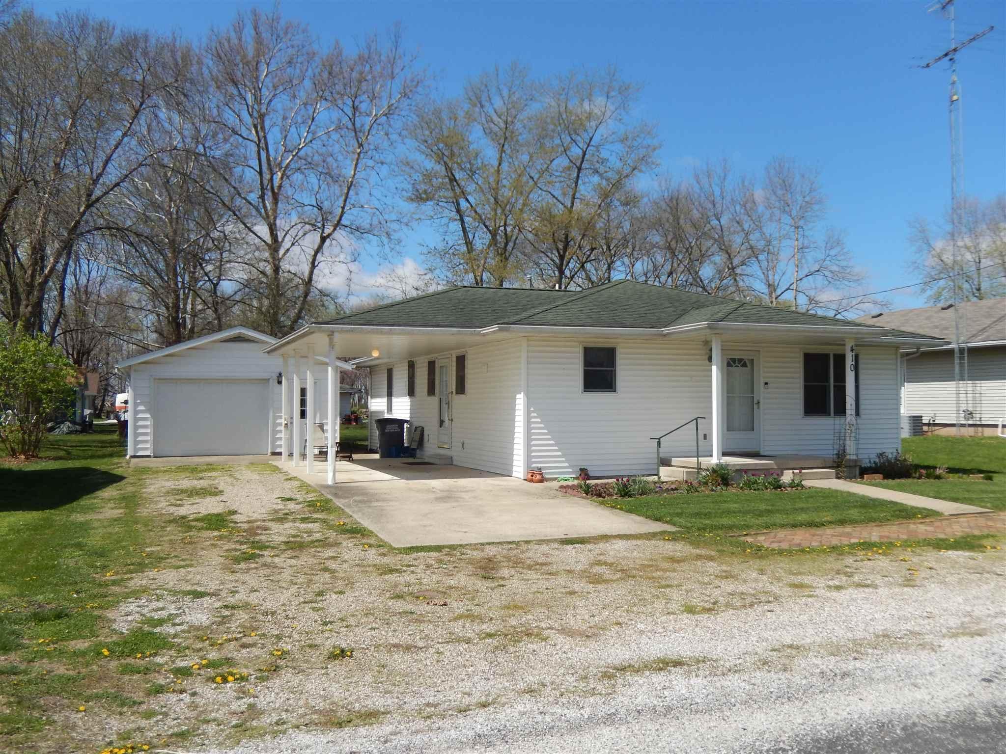 410 S WILLIAMS Property Photo - Colchester, IL real estate listing