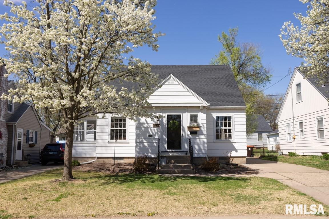 923 E NORWOOD Property Photo - Peoria, IL real estate listing