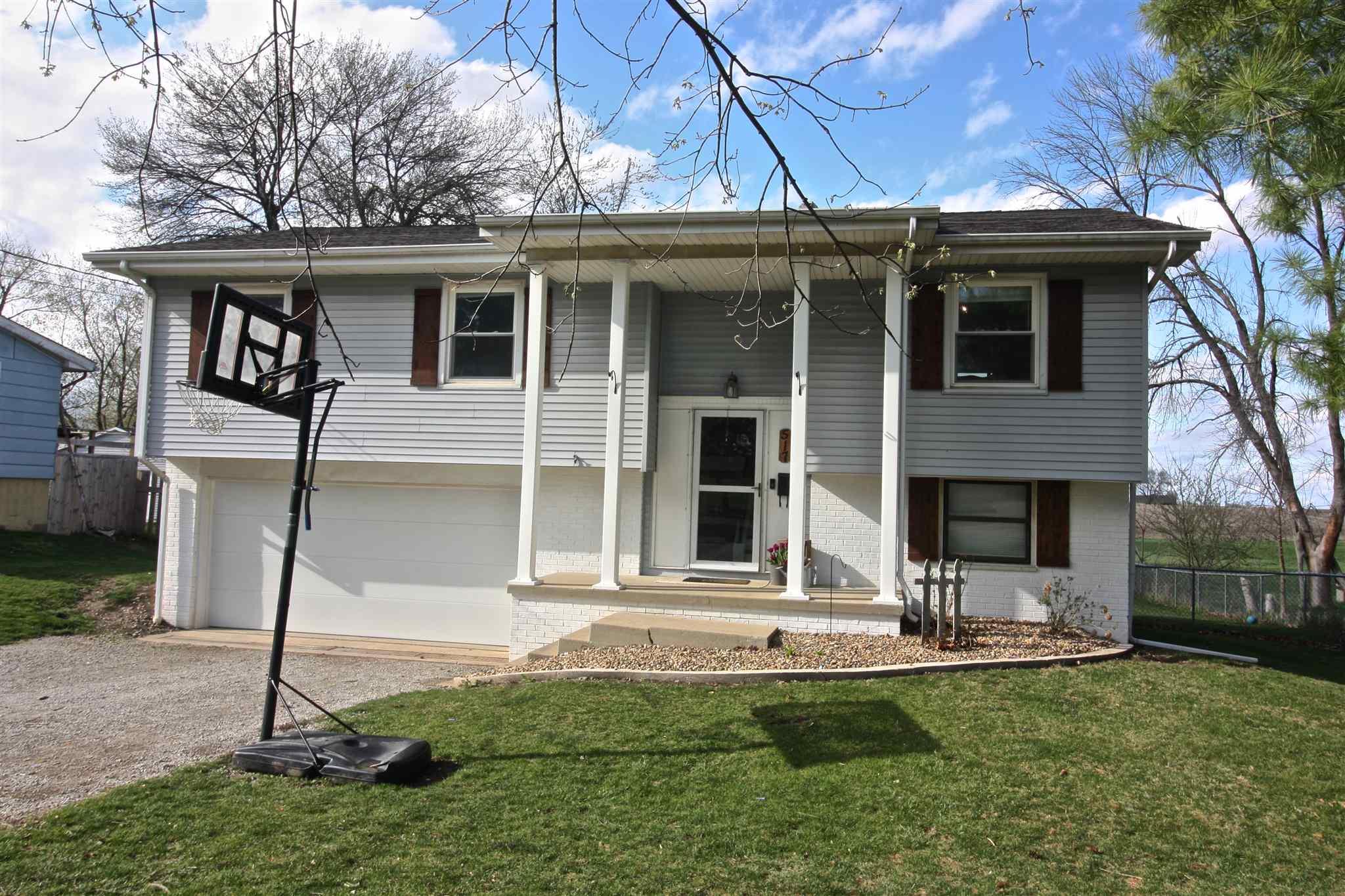 517 E JAMES Property Photo - Eureka, IL real estate listing