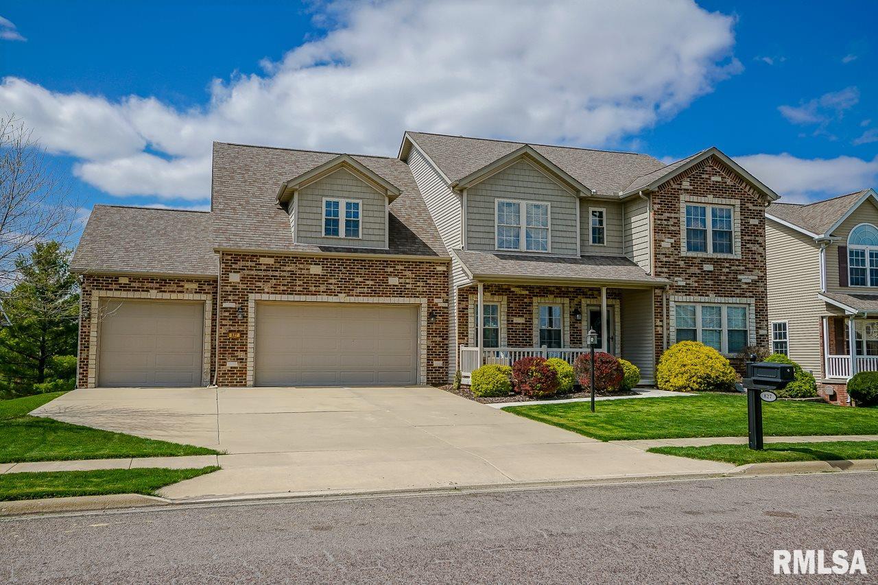 827 STONEBRIDGE Property Photo - Metamora, IL real estate listing